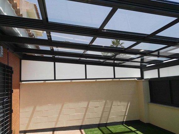 porche-cadiz-techo-movil-cortinas-cristal-6