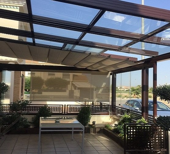 Cerramientos de balcones cortinas de cristal techos y toldos - Toldos y cerramientos ...