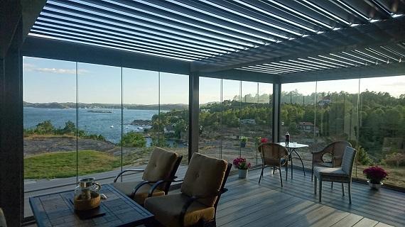 terraza-oliva-valencia-pergola-bioclimatica-retractil-corredera-sin-perfiles-10