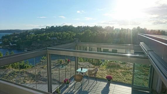 terraza-oliva-valencia-pergola-bioclimatica-retractil-corredera-sin-perfiles-2