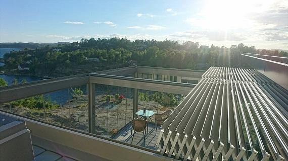 terraza-oliva-valencia-pergola-bioclimatica-retractil-corredera-sin-perfiles-4