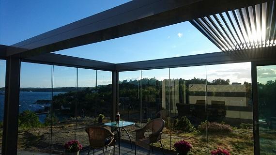 terraza-oliva-valencia-pergola-bioclimatica-retractil-corredera-sin-perfiles-5